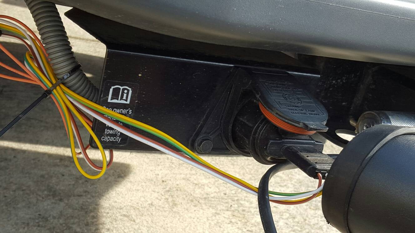 Anybody running a Tailgate light bar? Help with mounting and wiring? |  Nissan Frontier ForumNissan Frontier Forum