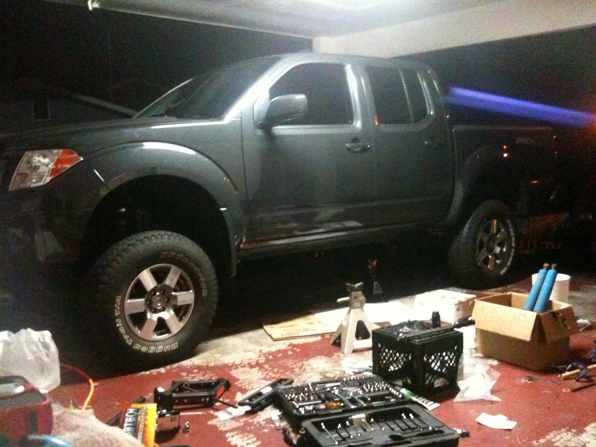 teaser pics of my fabtech. - Nissan Frontier Forum
