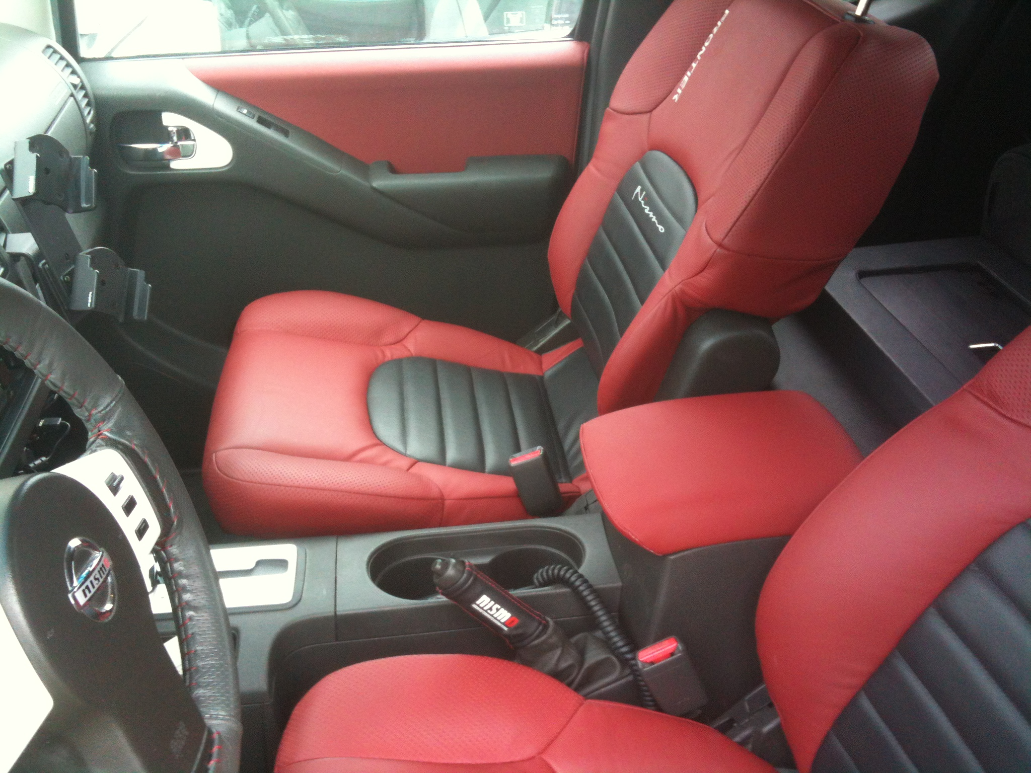 Leather interior complete pics nissan frontier forum click image for larger version name img1031g views 2339 size 109 vanachro Choice Image