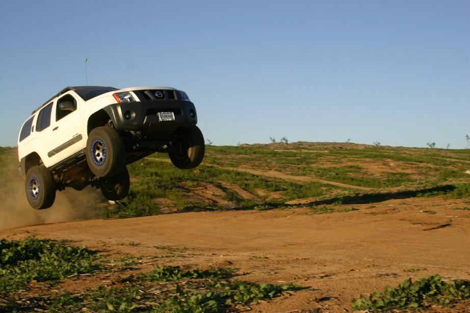 Couple Jumping Pics - Nissan Frontier Forum