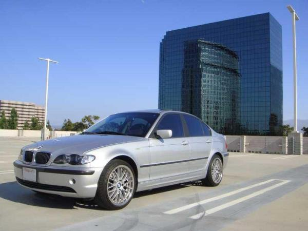 Showcase cover image for BizZa000ooo's 2003 BMW 325I