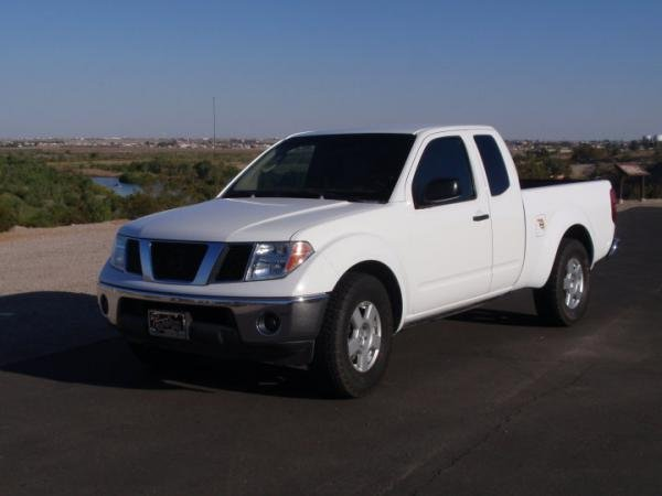 Showcase cover image for La Queen's 2006 Nissan Frontier